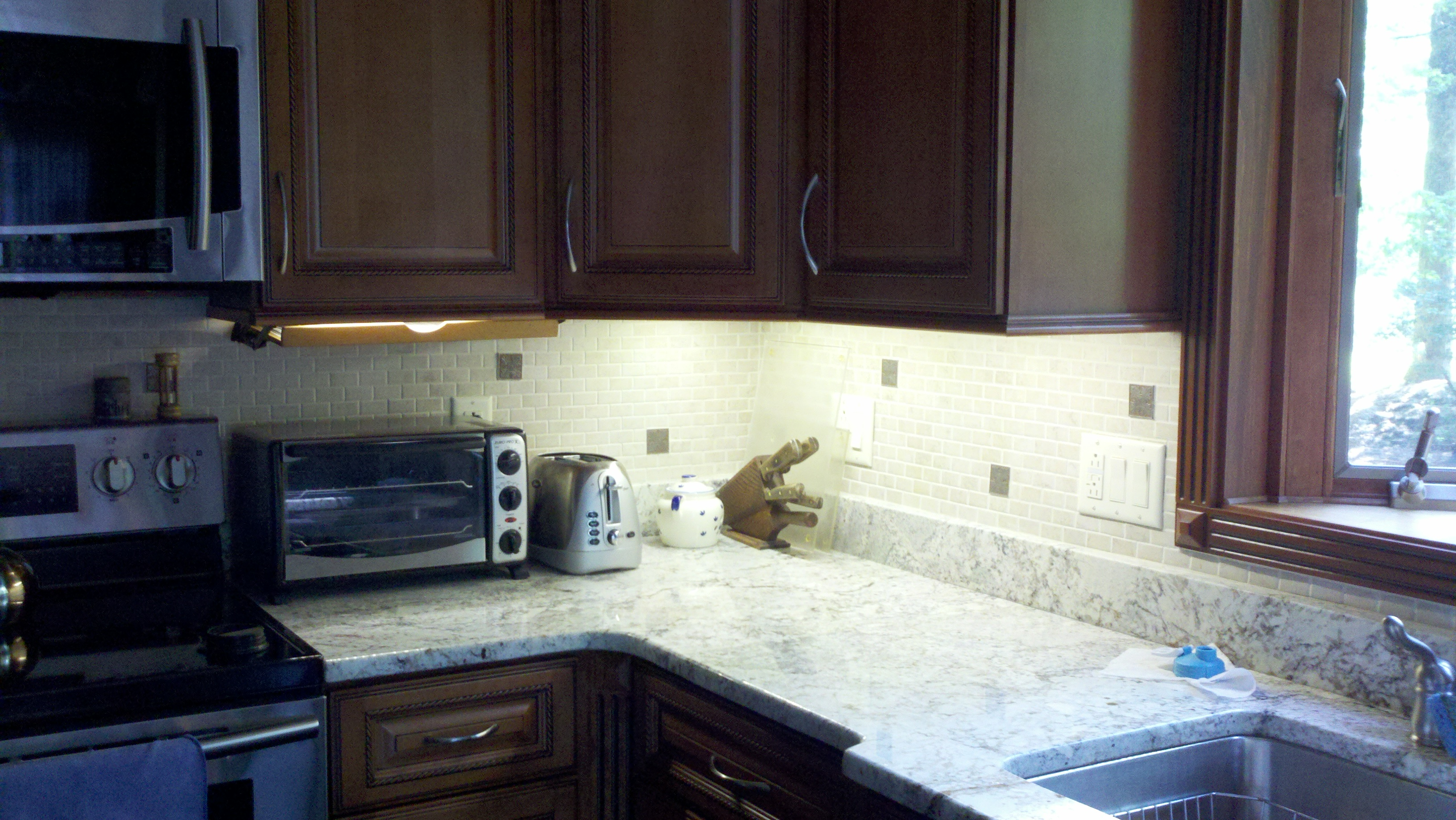 countertop lighting led. under cabinet kitchen led lights look great learn howto make them countertop lighting led n